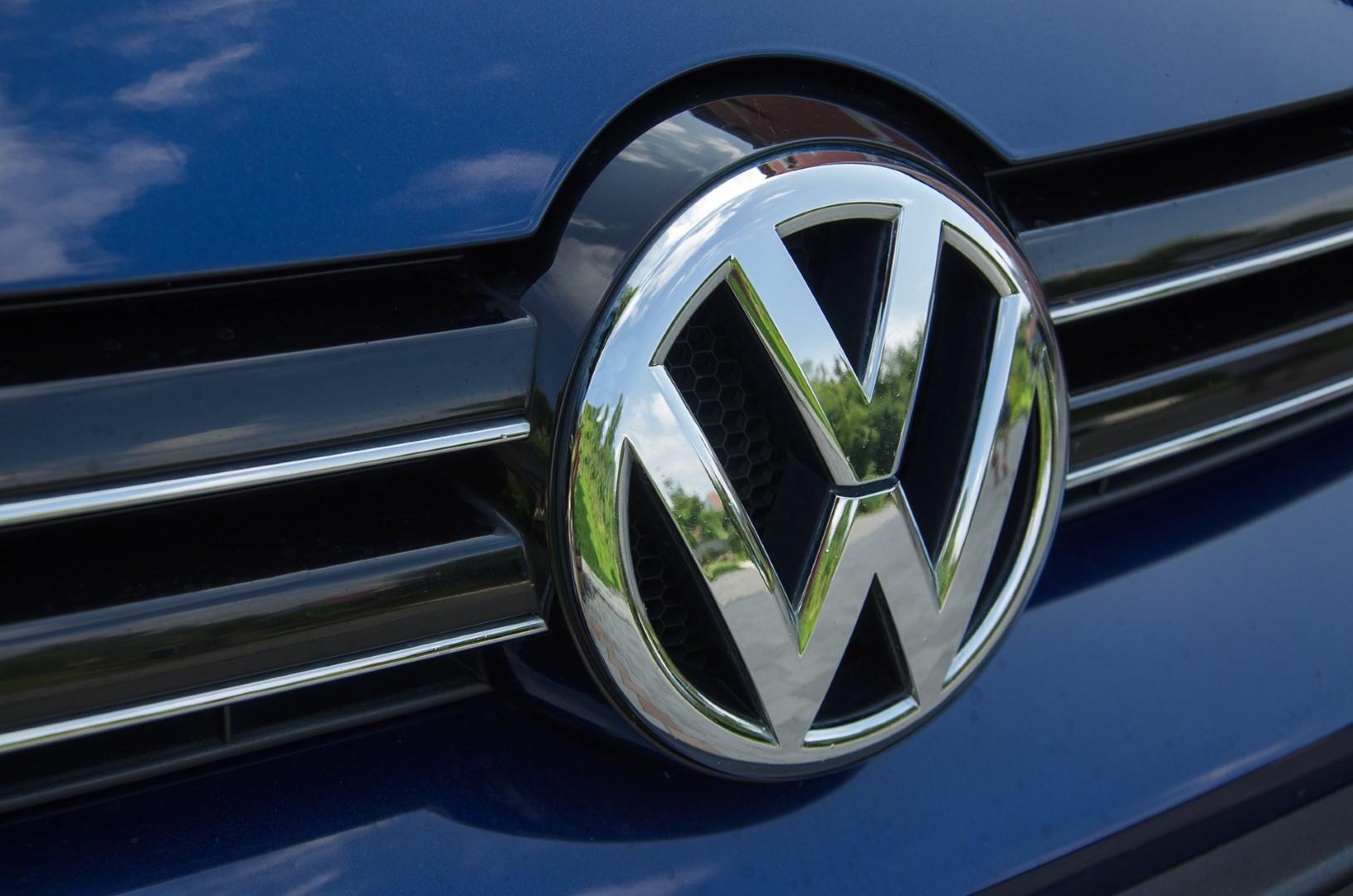 Volkswagen logo AutoStrada Roosendaal